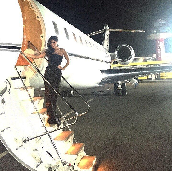3) plane ride ???????????????????? https://t.co/5az2PEDUey https://t.co/Xw0X23fkHl