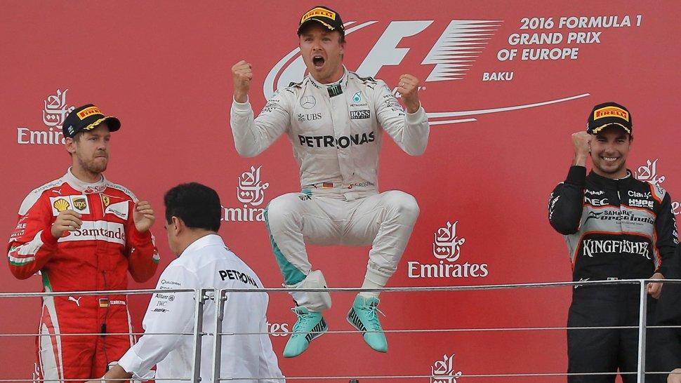 Rosberg vuelve a la senda de la victoria en Baku
