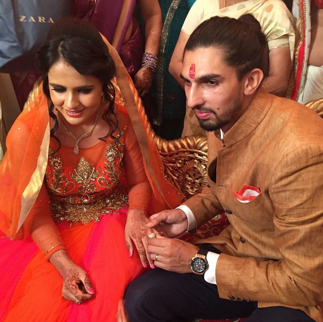 Welcome to the club @ImIshant congratulations you two. Lekin aaj ke din toh baal katva leta bhai