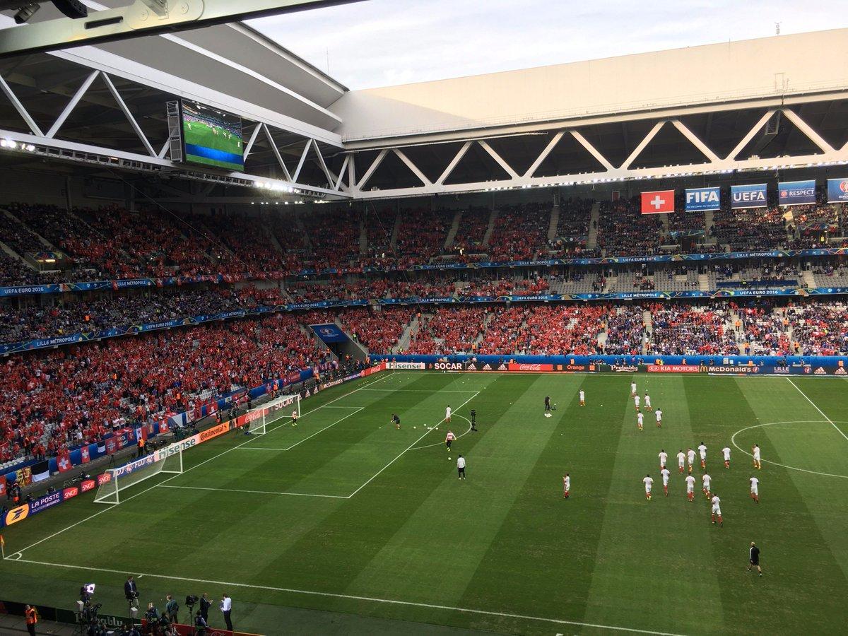 Felipe Barbalho  barbalhogeTorcedores suíços ocupam quase um quarto do  aconchegante estádio Pierre Mauroy  treuro 0e543d592f9ab