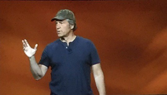 """Great leaders create an authentic & engaging experience for their workers."" @mikeroweworks #SHRM16  RT if you agree https://t.co/b9WrD4rZpa"
