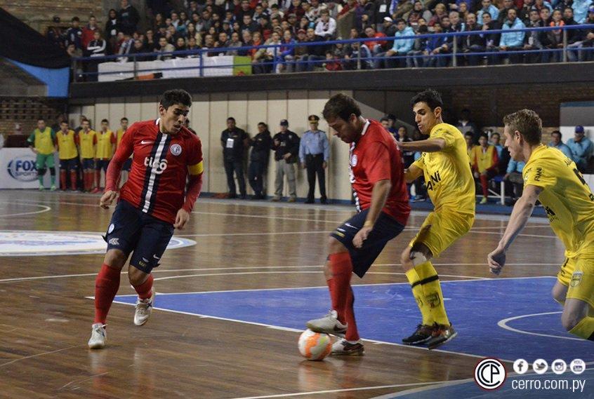 Cerro Porteño toca la gloria en futsal. !Salud, campeón!