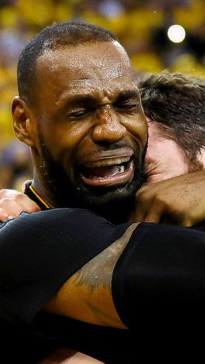 Move over MJ, the Internet has a new crying meme... https://t.co/D6WnlCezLb
