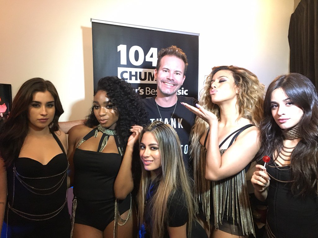 Hellloooo @FifthHarmony! A perfect way to close out the show! They're back in town in August! @iHeartRadioCA #MMVAs https://t.co/ABN5BaFmPU