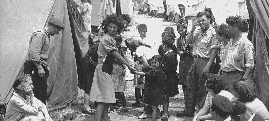 It's #WorldRefugeeDay. Don't forget the ~900,000 #Jews who were forcibly removed from Arab countries after 1945. https://t.co/t0UuiBtYwZ