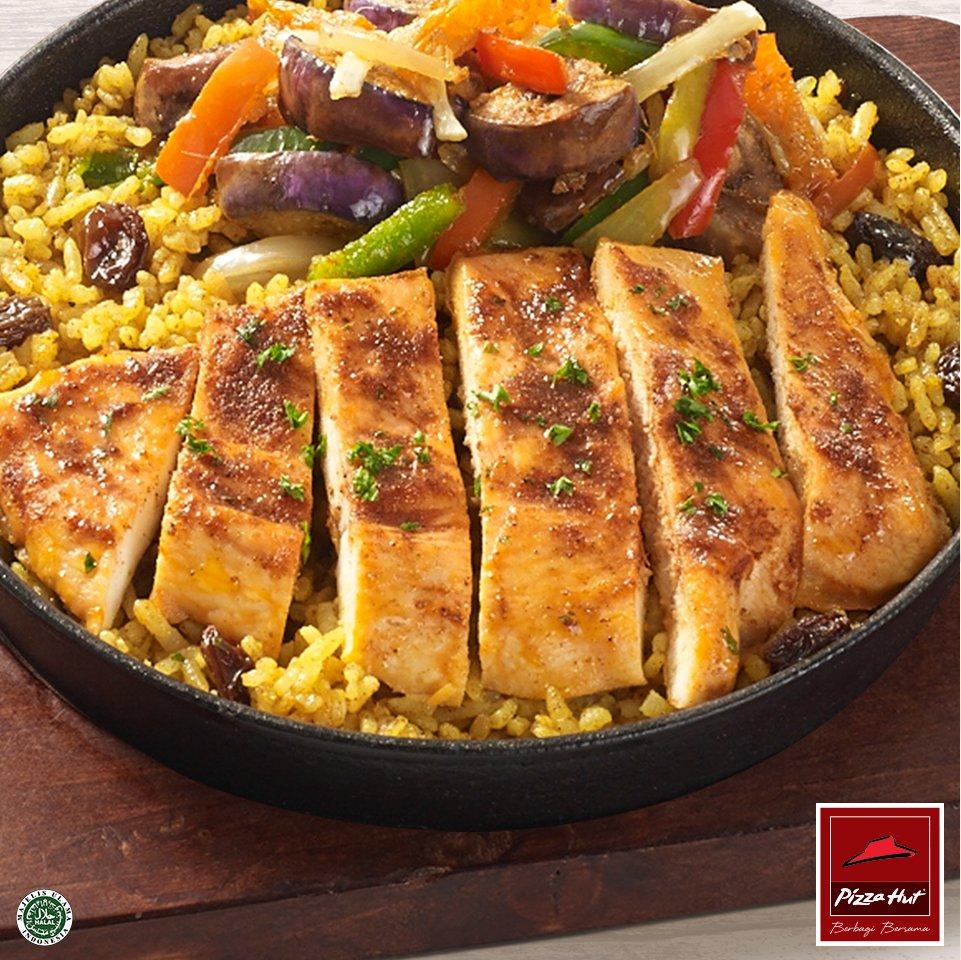 Cobain Tandoori Chicken Briyani Rice #MenuMeriahBaru #PizzaHutID untuk buka puasa bersama. https://t.co/9KOukztsu3