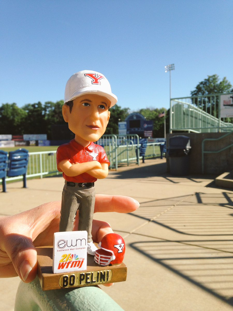 Your first look at the Bo Pelini bobblehead! Giveaway this Saturday for first 1,000 fans @EastwoodMallOH @21WFMJ https://t.co/QE7vlXPPnU
