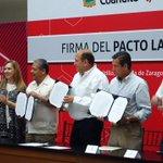 Para incentivar inversión y aumentar productividad, @GobDeCoahuila, empresarios y sindicatos firmamos #PactoLaboral https://t.co/WUkKOqgvYf