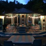 End of show, set looking magical after a genuinely funny slapstick outdoors Comedy of Errors by @GuildfordBard. https://t.co/th3JhlOtHh