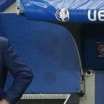 Roy Hodgson dimite como seleccionador de #ENG tras caer eliminado ante #ISL #Euro2016 https://t.co/wsbOZZYkdE https://t.co/TyymAdBBug
