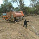 Llevan agua al Pilcomayo en camiones cisternas. https://t.co/q7ioLQexbD https://t.co/BQv2RqxV3R