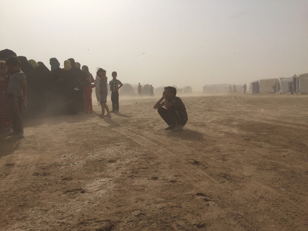 In 4 1/2 years covering Syria and Iraq I've never seen conditions this bad. No tents. No water. No words. #Fallujah https://t.co/2sbevjr9xn