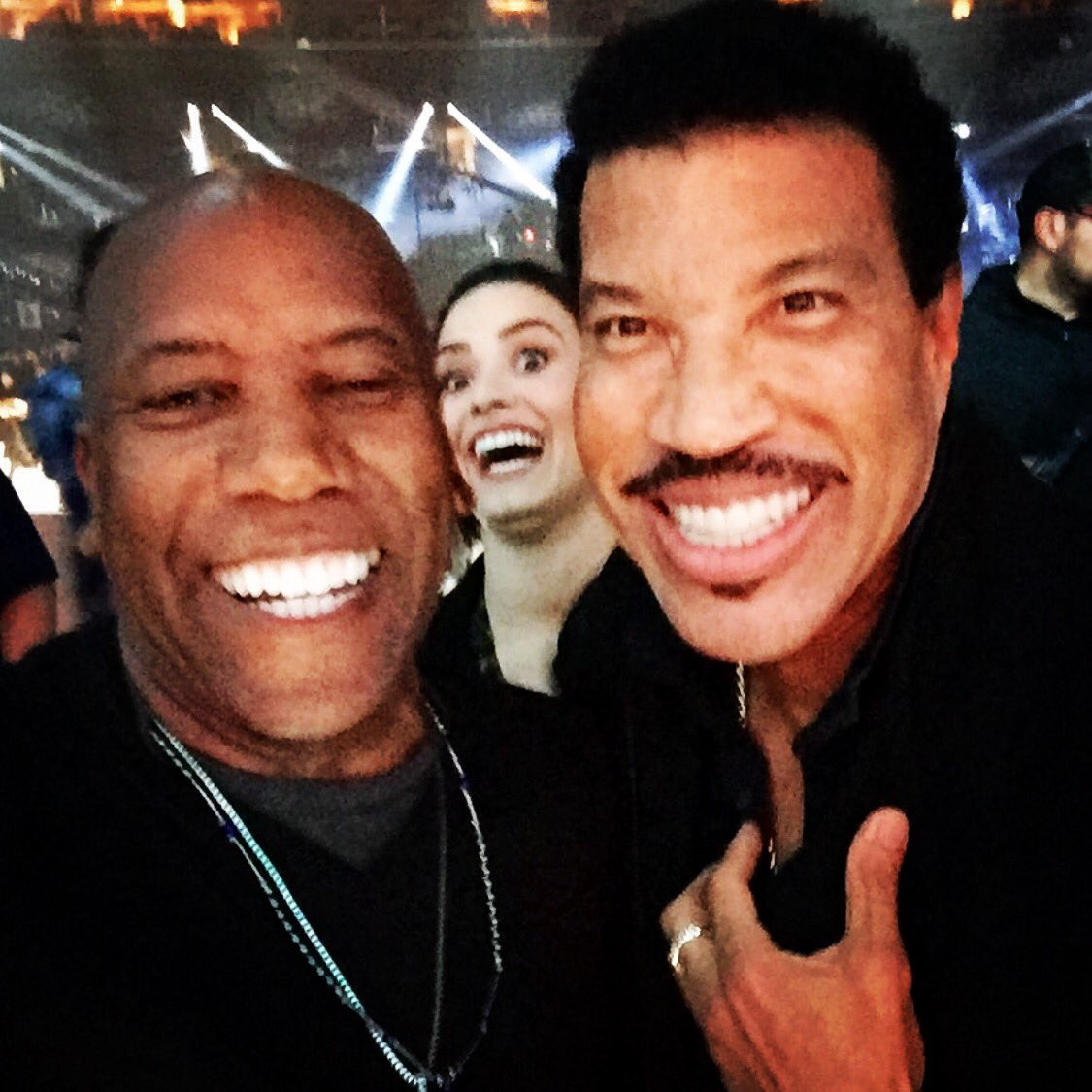 .Happy Birthday to my Brother from another Mother,@LionelRichie! Photo bomb by Demi @ddlovato