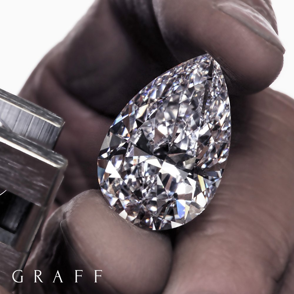 Graff is proud to unveil the Graff Vendôme, a magnificent 105.07 carat D Flawless pear shape diamond. https://t.co/b6zJezOonr