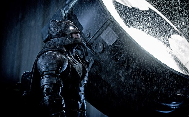 Ben Affleck is still working on the script for his solo Batman movie: 🎥👀