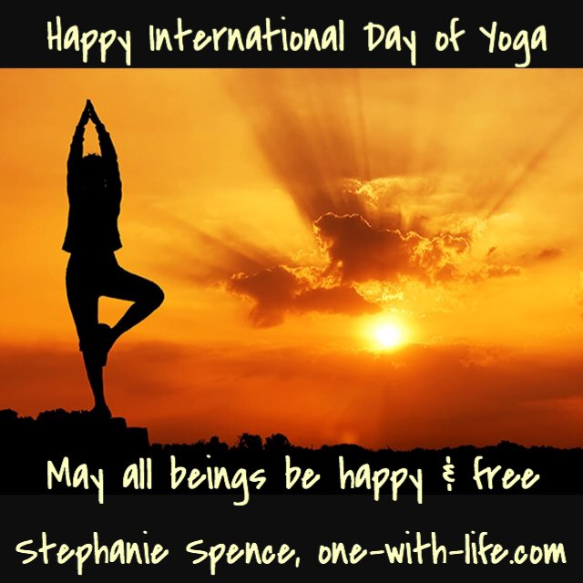 Happy  #InternationalYogaDay - Health Assurance w/ zero budget .@ADevotedYogi https://t.co/W3V2KDZd4p