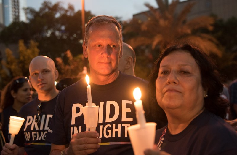 .@Delta employees honor victims at Orlando vigil, continues support.