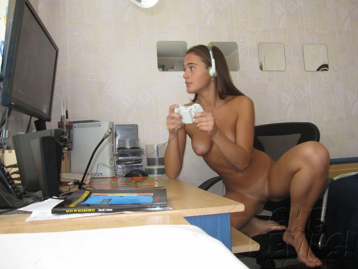 Girl gamers nude sex nudes movie