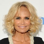 .@KChenoweth has joined the cast of #HairsprayLive as Velma Von Tussle! https://t.co/6zZp0SDn4U https://t.co/sjgwOgIzRq