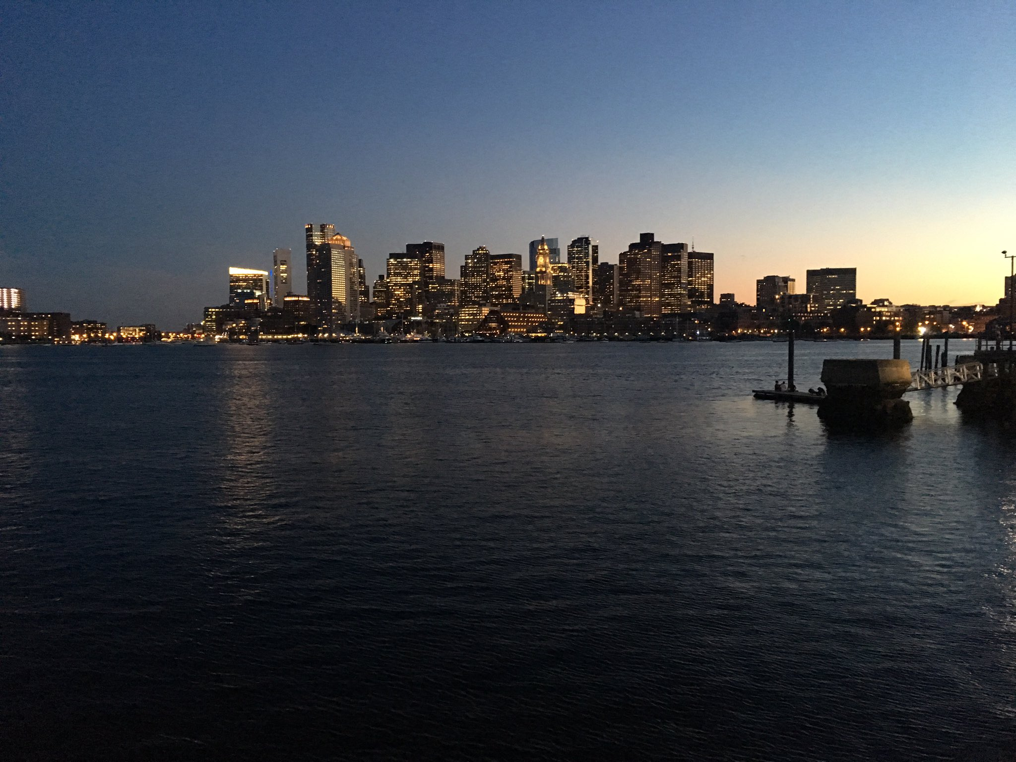 An absolutely beautiful night at Piers Park in East Boston...the view isn't too bad either. https://t.co/ZXnZIMxbPU