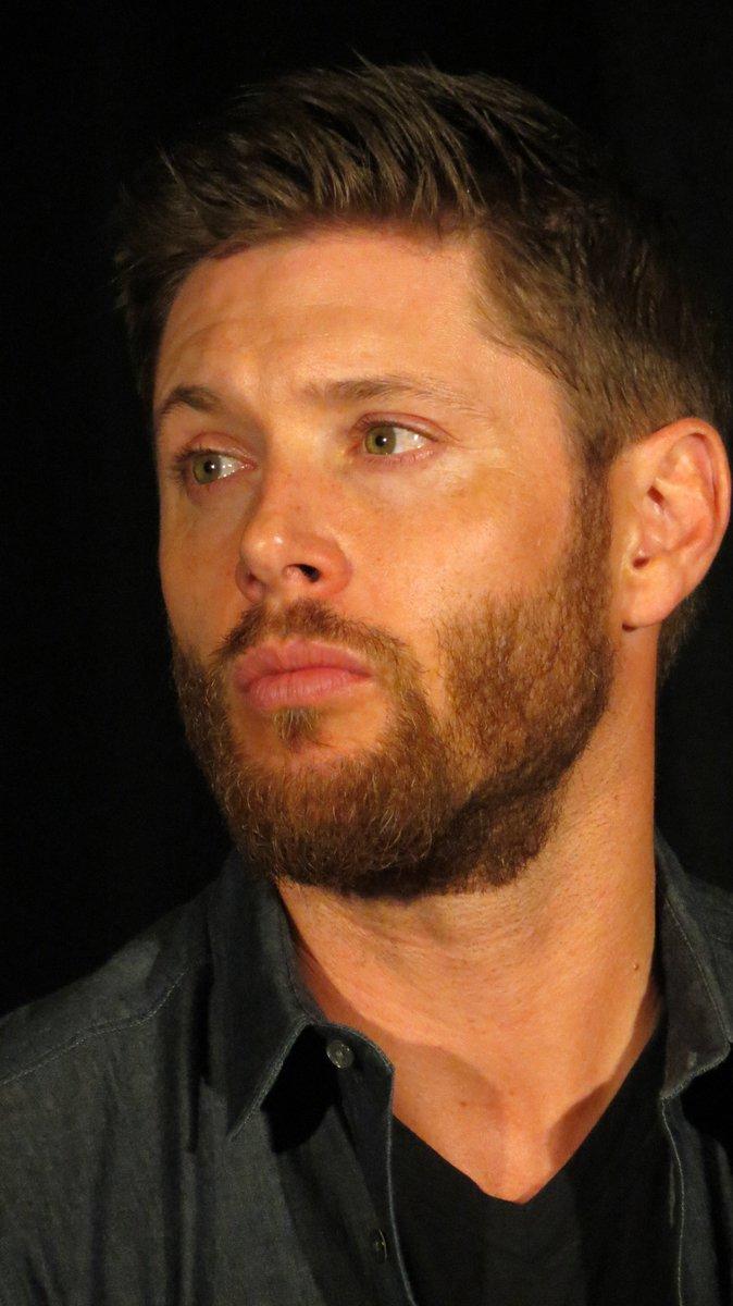 #SPNPHX 2016 Jensen doesn't take a bad pic, I on the otherhand...  #hiatusbeard #SPNFamily https://t.co/Q2B9cuYMpp