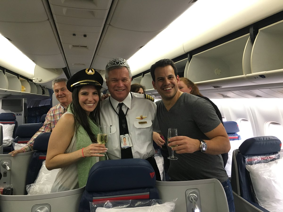 'Love is in the Air': Couple incorporates @Delta into dream wedding.