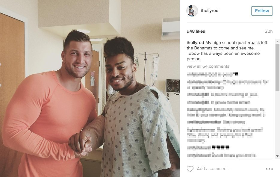.@TimTebow dumps Bahamas vacation to visit ex-teammate hurt in Orlando attack https://t.co/K3GannLFCb https://t.co/J2ps9fAoCG