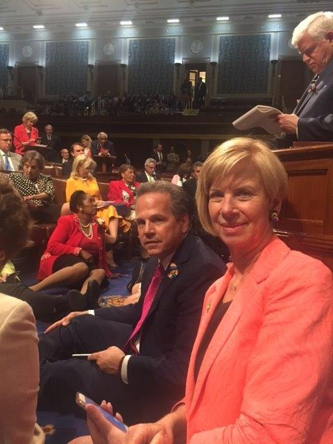 Sitting with my fellow @HouseDemocrats on the floor continuing to push for #NoBillNoBreak https://t.co/aGrrWq0rmp