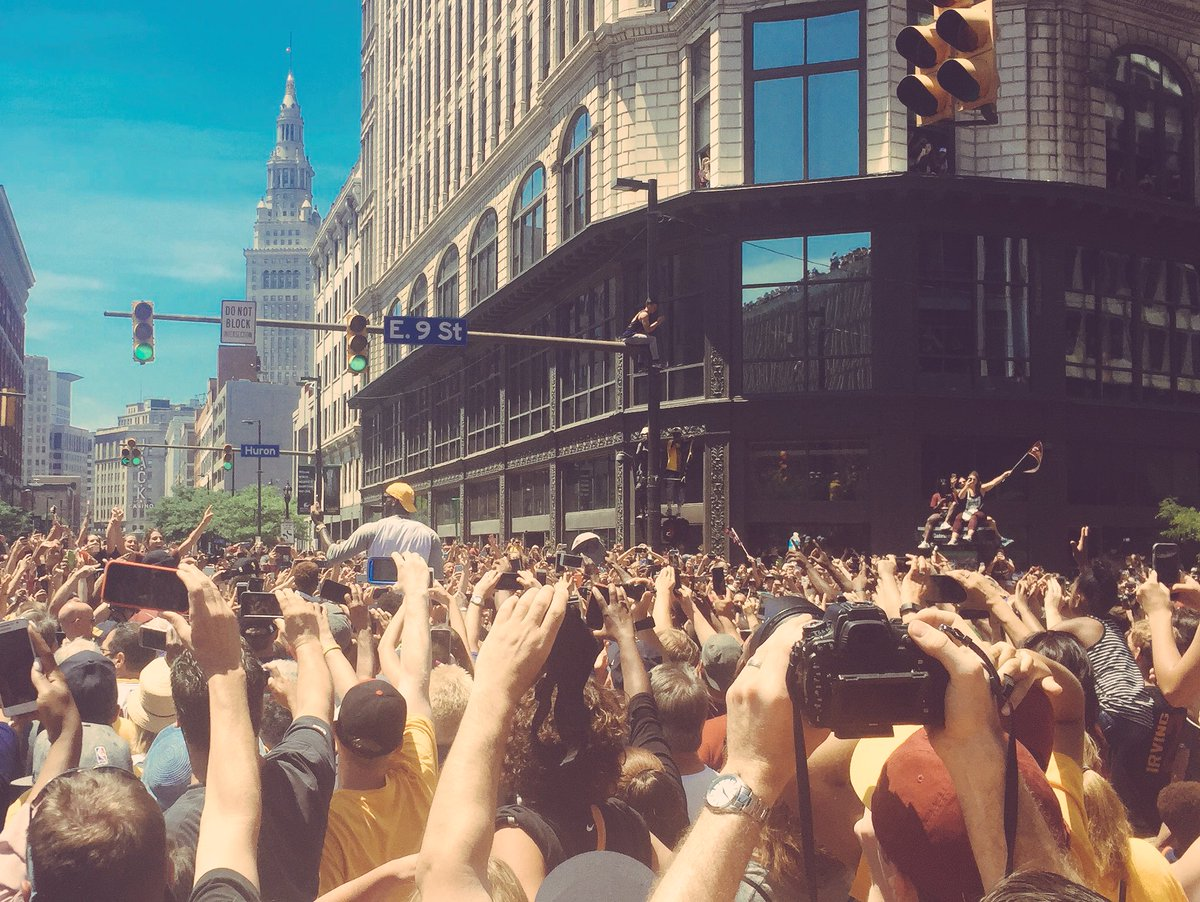 An amazing turnout here in downtown Cleveland. Congrats again to the 2016 @NBA Champs! #CavsParade #OneForTheLand https://t.co/A1uCcxFKY2