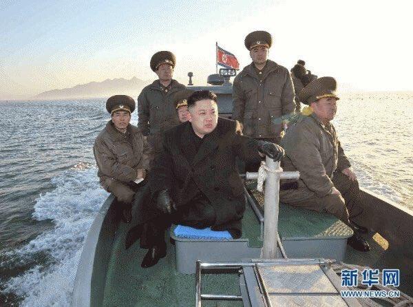 私、金正恩!世界の支配者を目指して総書記になったけど、度重なるミサイル発射失敗で世界中から総批判を受けてしまったの。総書記として喜び組と北朝鮮を守りたい!ムスダン・テポドン第1巻6月22日発売! https://t.co/dDt0OvkNIJ