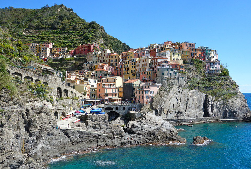 RT @604Now: For the 1st time ever, you can book direct flights from @yvrairport to Italy via @airtransat https://t.…