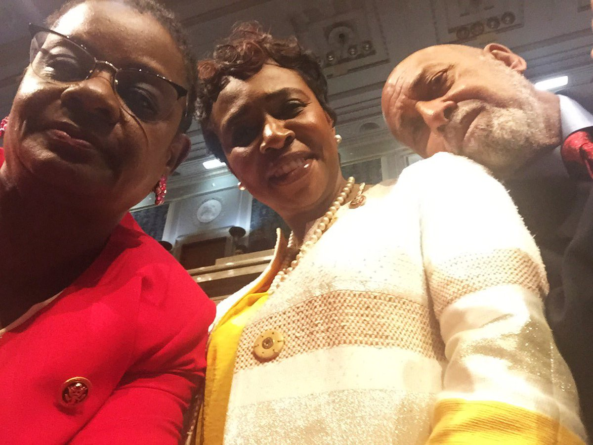 Glad to be w/ @RepHastingsFL & @YvetteClarke on the floor to #EndGunViolence. #GoodTrouble #NoBillNoBreak #DemSitIn https://t.co/jTosK873n3