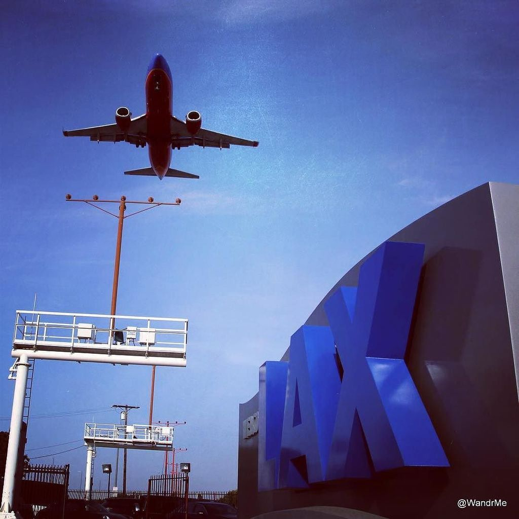 RT @WandrMe: Sitting under final approach @flylaxairport always makes me smile. Joined for…