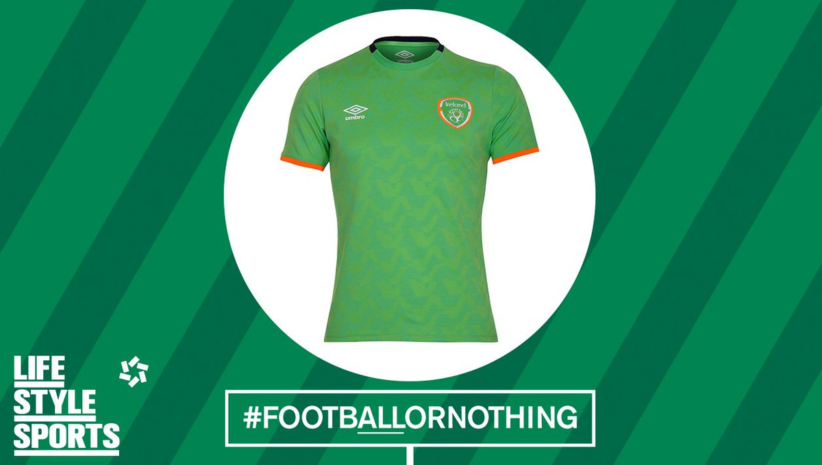 McGeady is on! Murphy takes the bench after a hearty display. RT for a bench jersey! #FootbALLorNothing #COYBIG https://t.co/5TWWp3Fgpb
