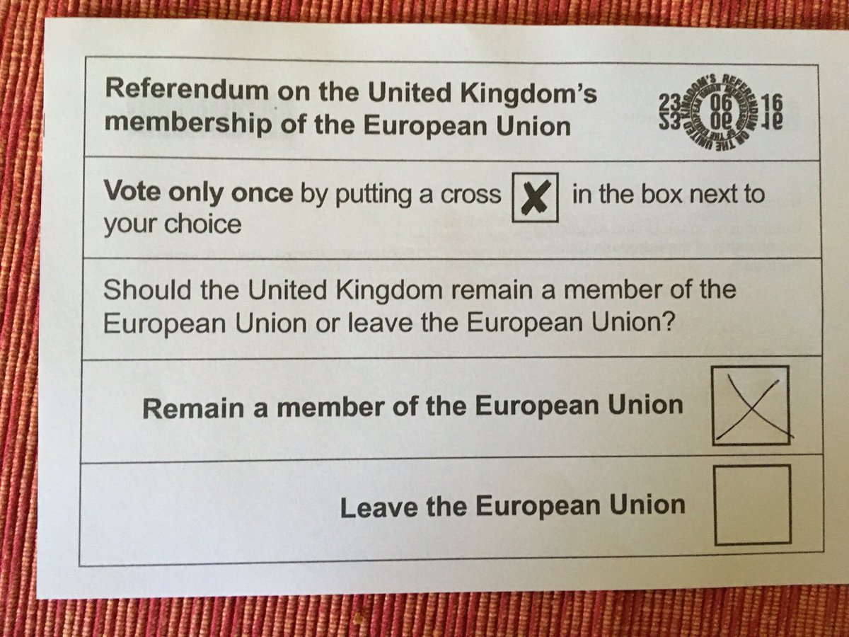 Happy to say #IamanEUmigrant and #VoteRemain https://t.co/eehVNXd43U