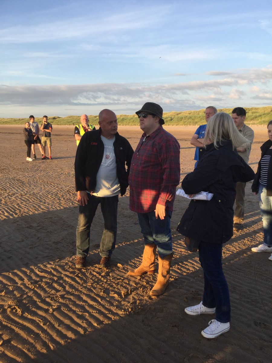 Beautiful Ainsdale beach was tonight's venue for Peter Kay and filming for BBC's Car Share. Film friendly Sefton! https://t.co/u5Ce9pXWMu