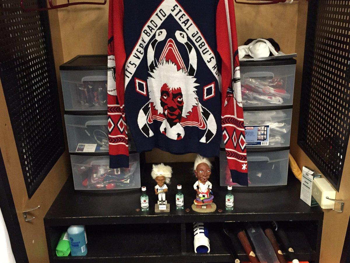 Shrine to Jobu erected between Mike Napoli and Jason Kipnis' locker. https://t.co/MuuNDUKBDf