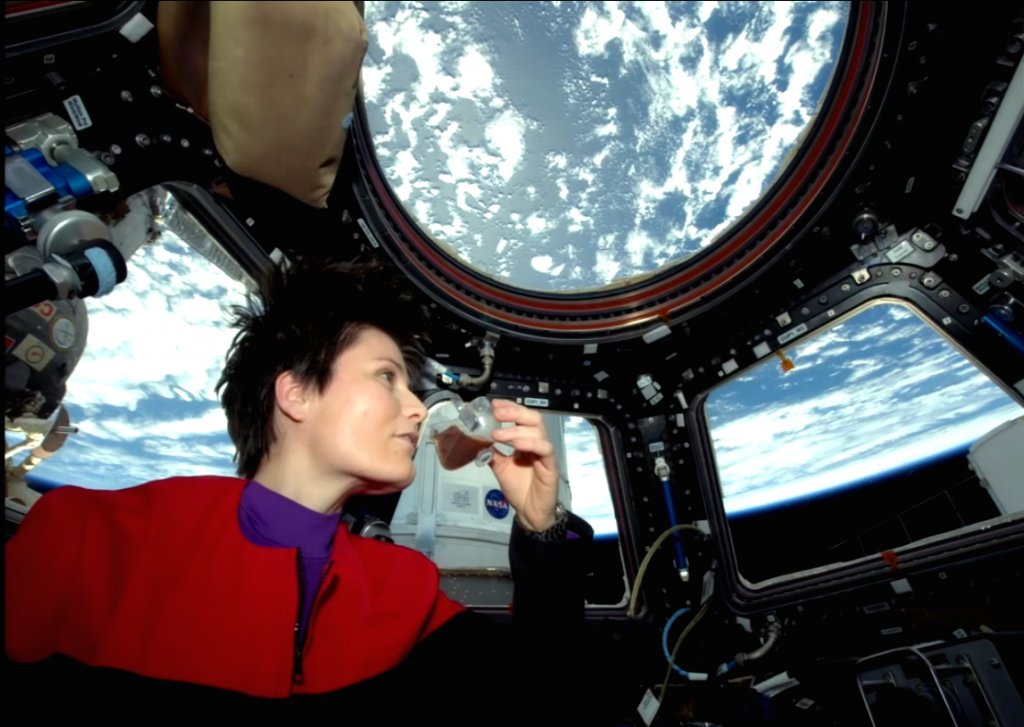 .@AstroSamantha spent nearly 200 days in space & had the 1st #ISS espresso. Watch her talk: https://t.co/m4RzHysXOx https://t.co/TVD9GXOXNK