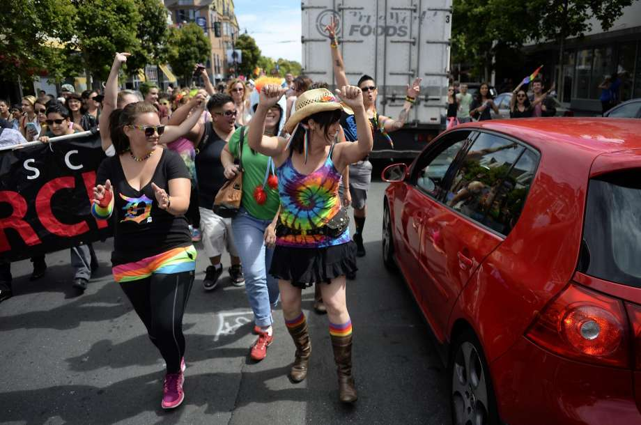Where to eat at #SFPride this weekend! Tagged restos will be @ #EatDrinkSF #edsf! @SFGate  https://t.co/b7HVlDqlgH https://t.co/cPNUjNOQht