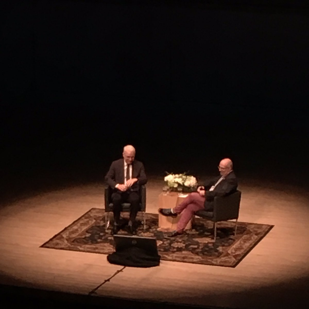 Steve Martin in conversation with @agotoronto curator Andrew Hunter. Part art talk, part standup show. #HarrisAGO https://t.co/eJrsqP6hWI