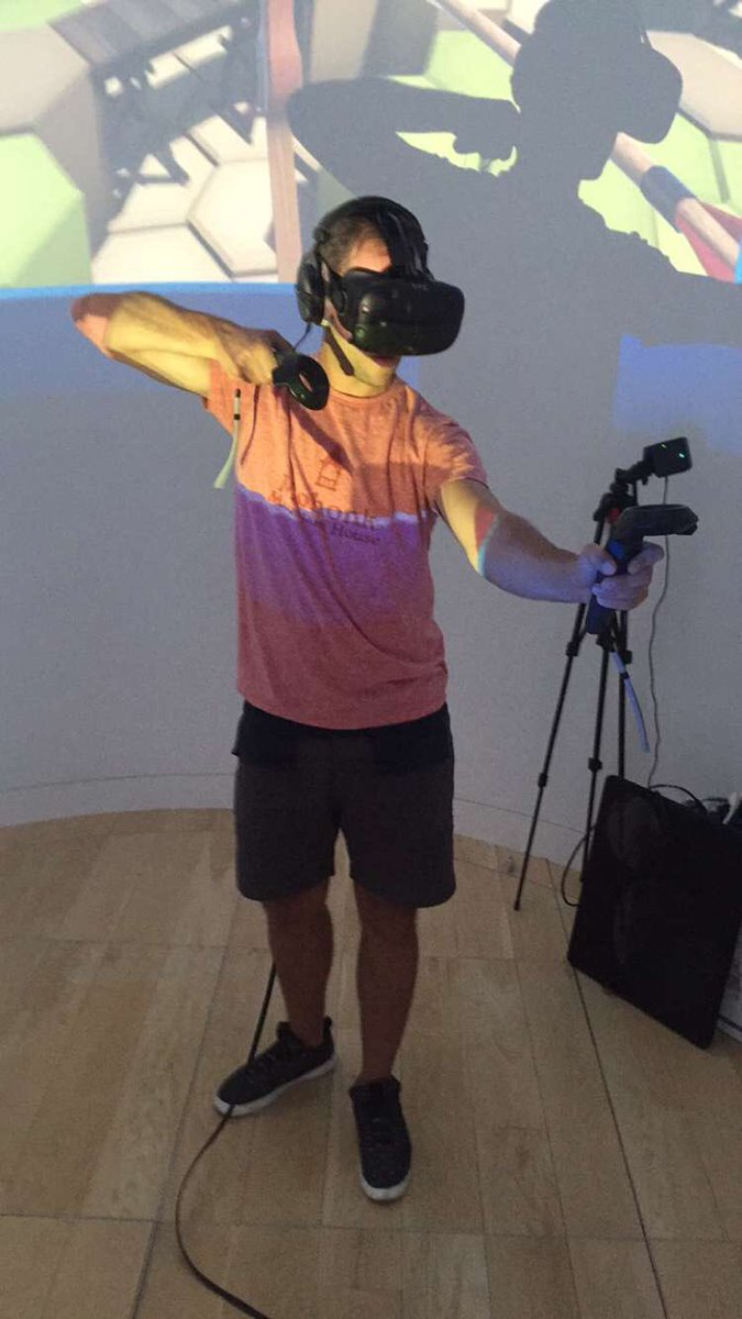 """Real text to fiancé: """"sorry I missed your FaceTime, I was in virtual reality."""" https://t.co/IEJiW45PGq"""
