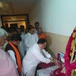 BJP senior leaders pays tribute on the Balidan Diwas of Dr. Syama Prasad Mookherjee at BJP HQ. https://t.co/6vpW4ArDR4