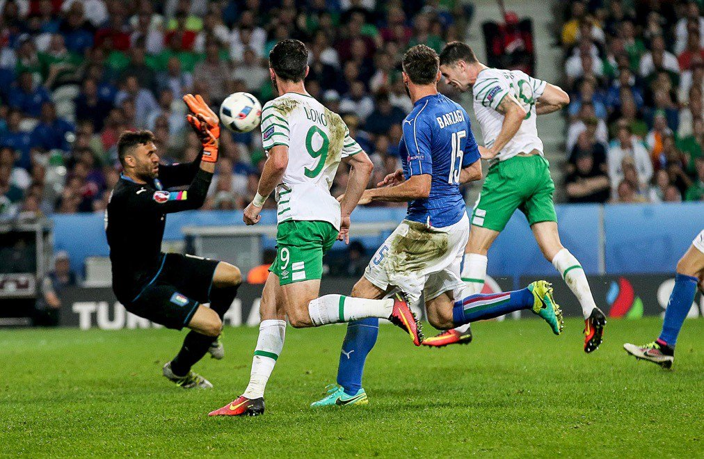 We're just going to relive this moment in our heads one more time #COYBIG #FootbAllorNothing #Lyon https://t.co/e22kP4vJxd