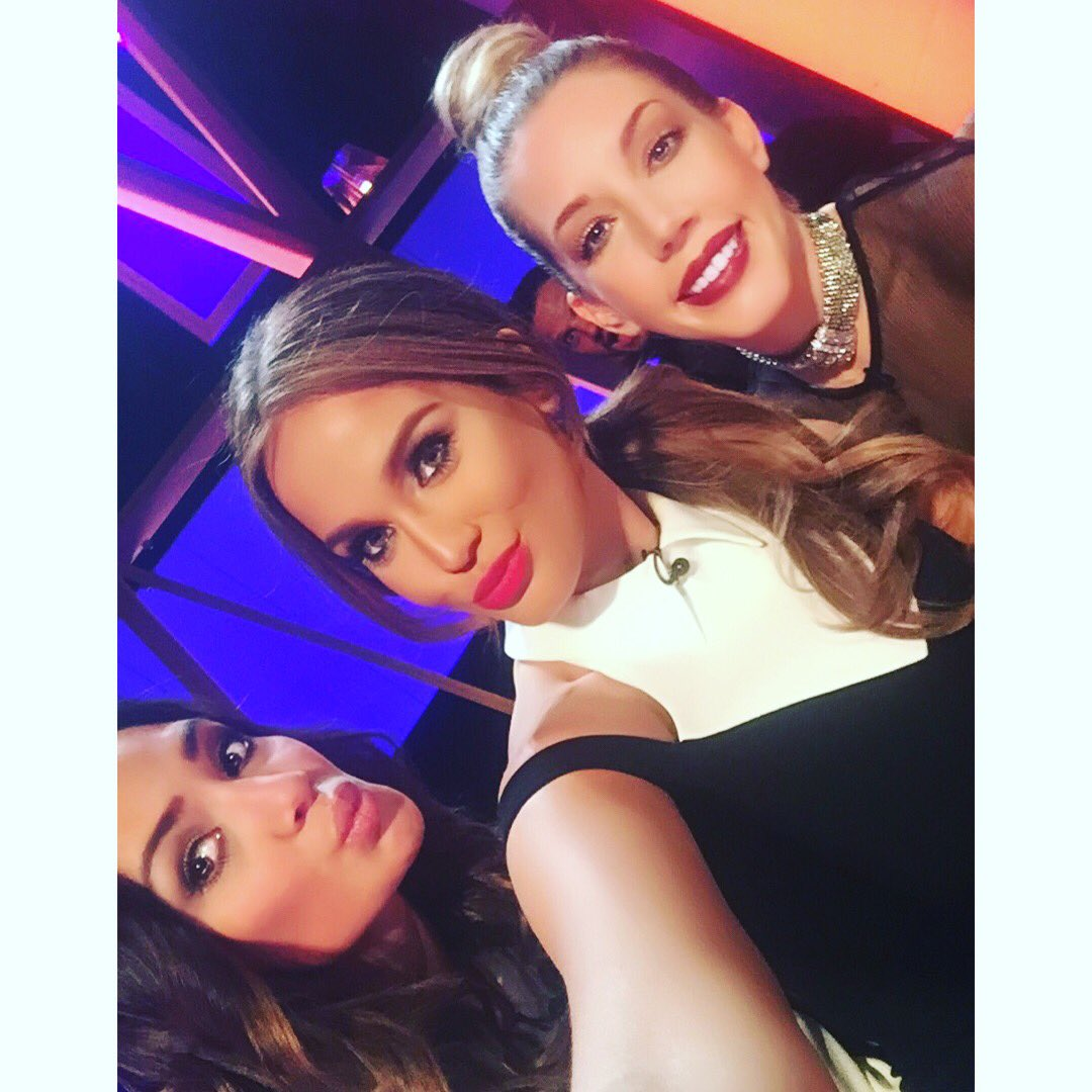 RT @VickyPattison: Tonight is the NIGHT!!!! 10pm on @channel5_tv it's the launch of 'It's Not Me, It's You!' Make sure you tune in! ???????????? htt…