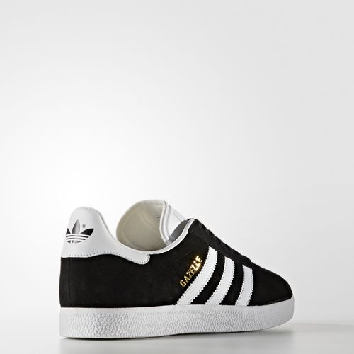 The icon @adidasoriginal #GAZELLE has landed. Shop it now online & in select stores; https://t.co/Z2myQBlmPm https://t.co/yWHI1ZPUgX