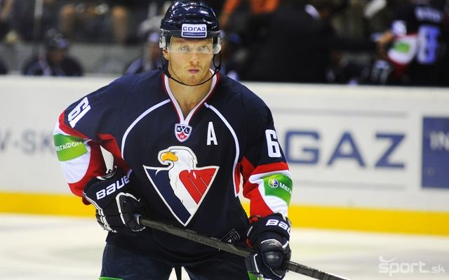M.Bartovic agreed on termination of his contract at #hcslovan and will continue at @bilitygrilbc Thank you Bart. https://t.co/pBJWUNqoEF