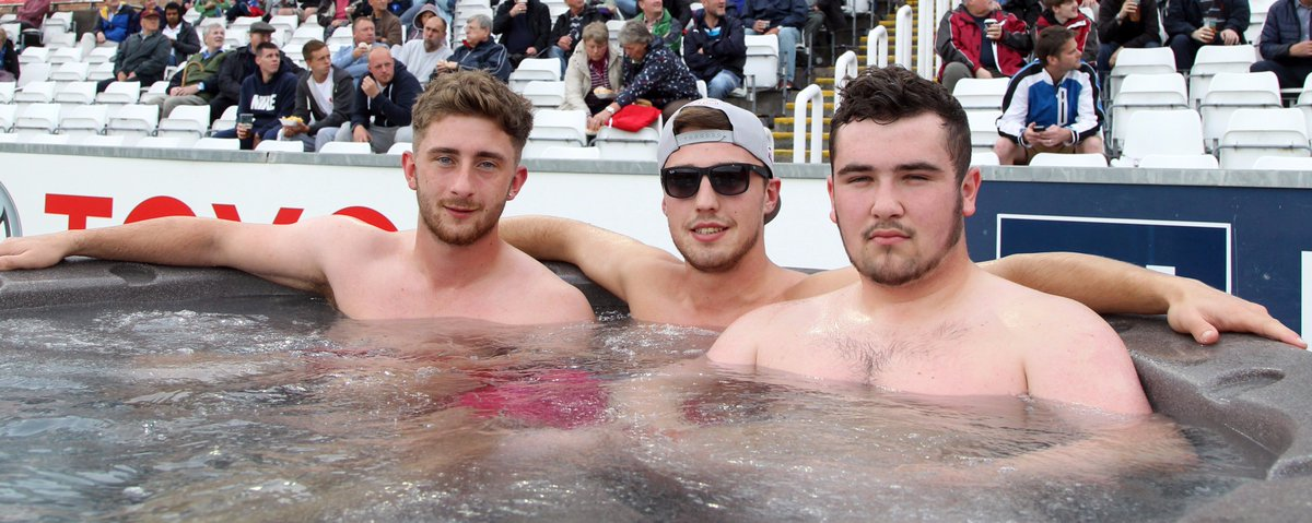Fancy being in hot tub for the Yorkshire Vikings match tomorrow?   To win places for you & 2 mates, RT this tweet! https://t.co/W6tGS0eztI