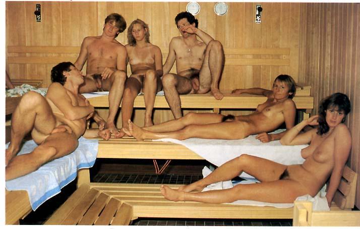 golie-semeynie-pari-v-saune