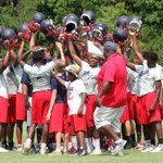 Head-turning Air Raid 7-on-7 tournament championship for Chester Cyclones https://t.co/Tx2R0ElcSj https://t.co/7OAeCqNGU6