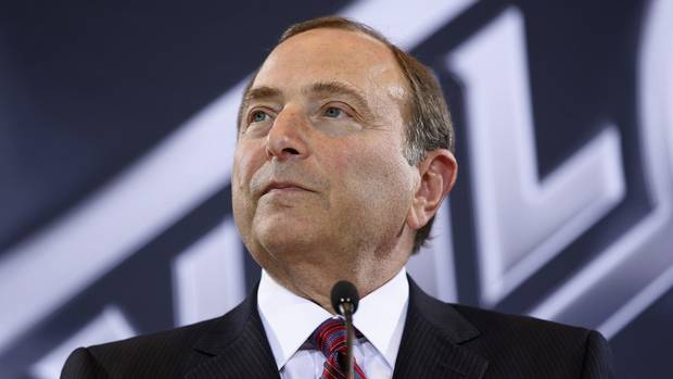 U.S. Senator takes NHL commissioner Gary Bettman to task over concussions From @Globe_Sports